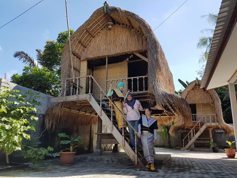 Sukarara Village